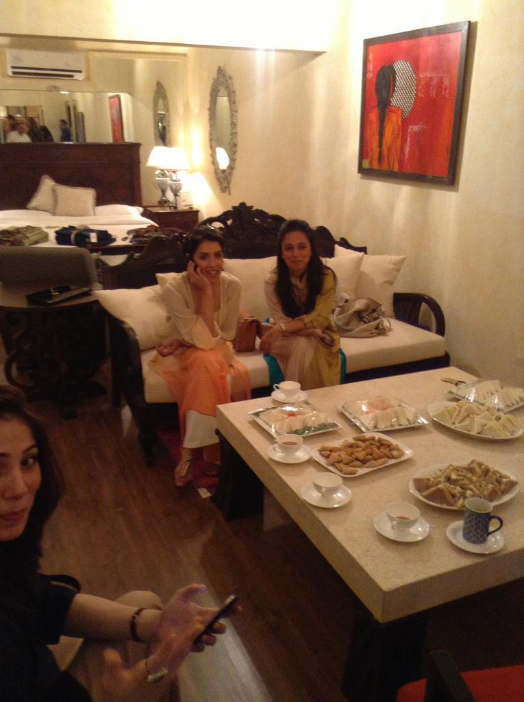 Sanam Chaudhri, Maheen Karim and Nida Azwer