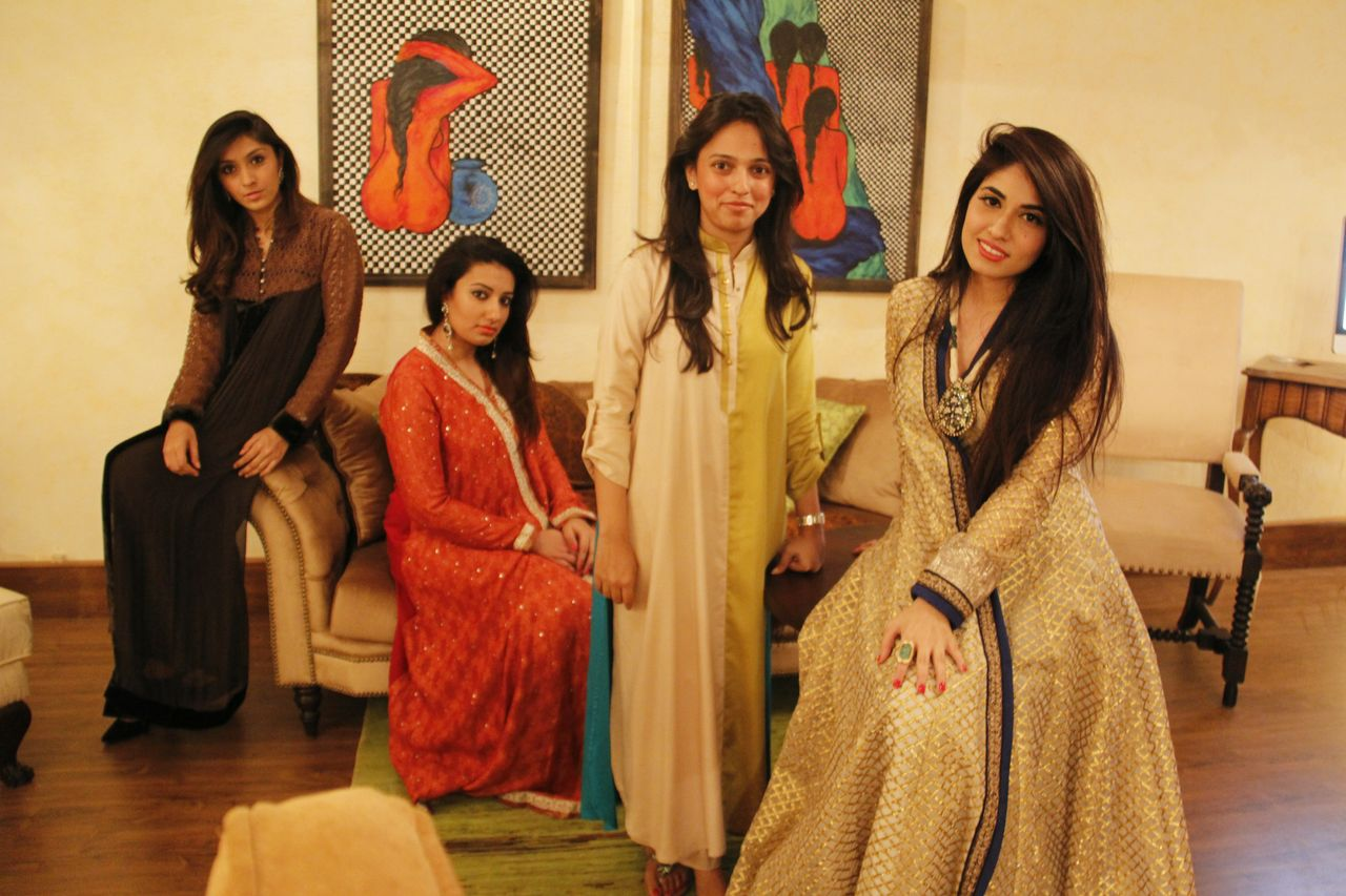 The bloggers with Nida Azwer