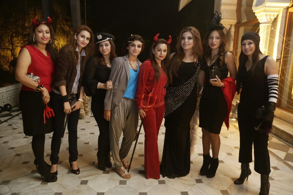 Tania Faisal, Nabila Monnoo, Reema Ahsun, Henna Baig, Mehvish Khan, Aminah Aizaz,Mehr Savul Butt and Mahreen Butt