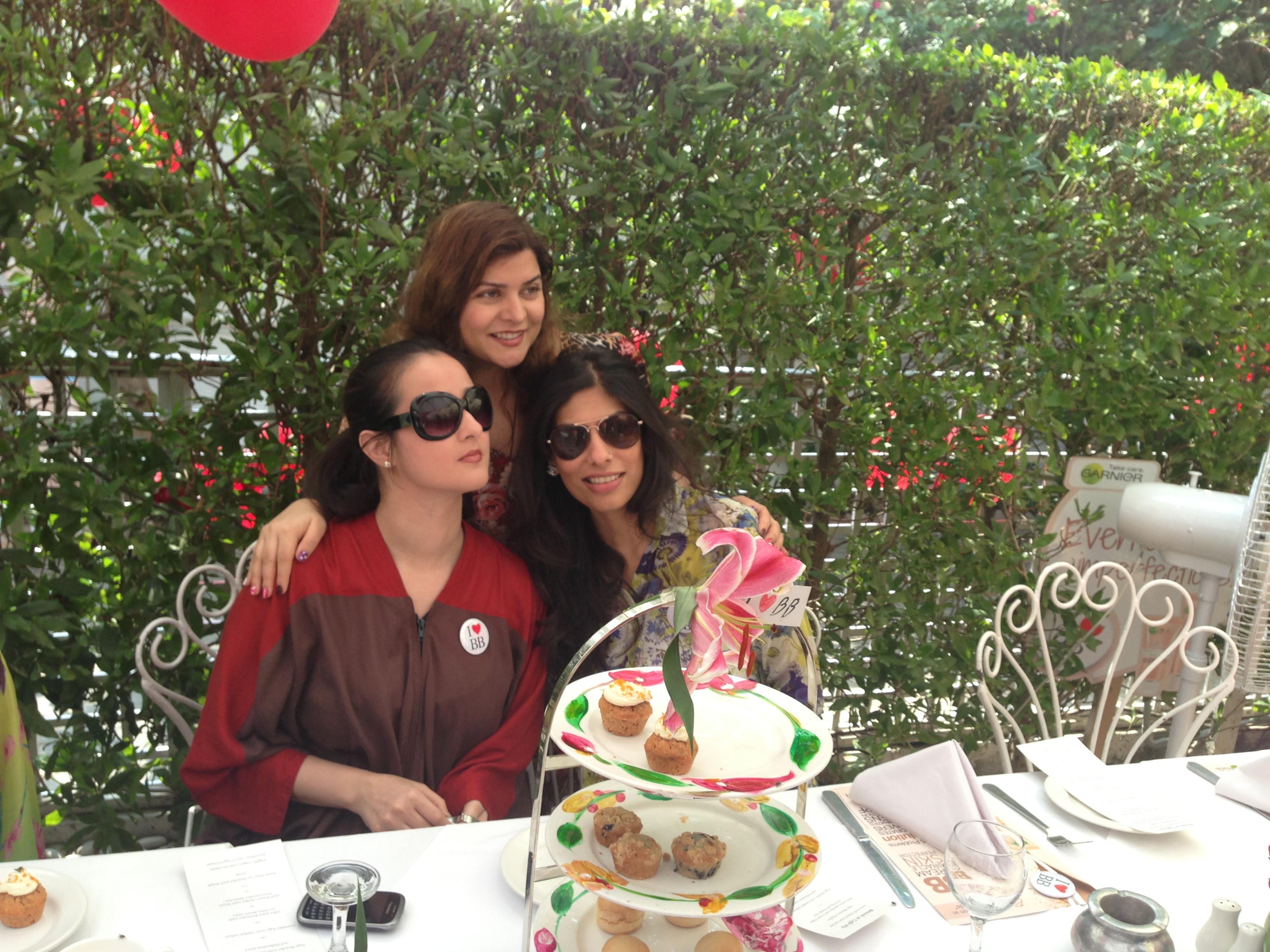 Yusra Askari, Tara Uzra Dawood and Zainab Malik