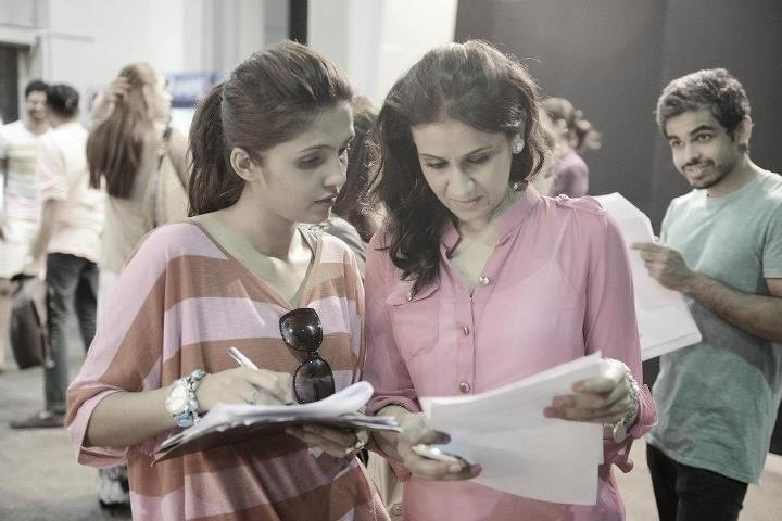 Sara Shahid (right)