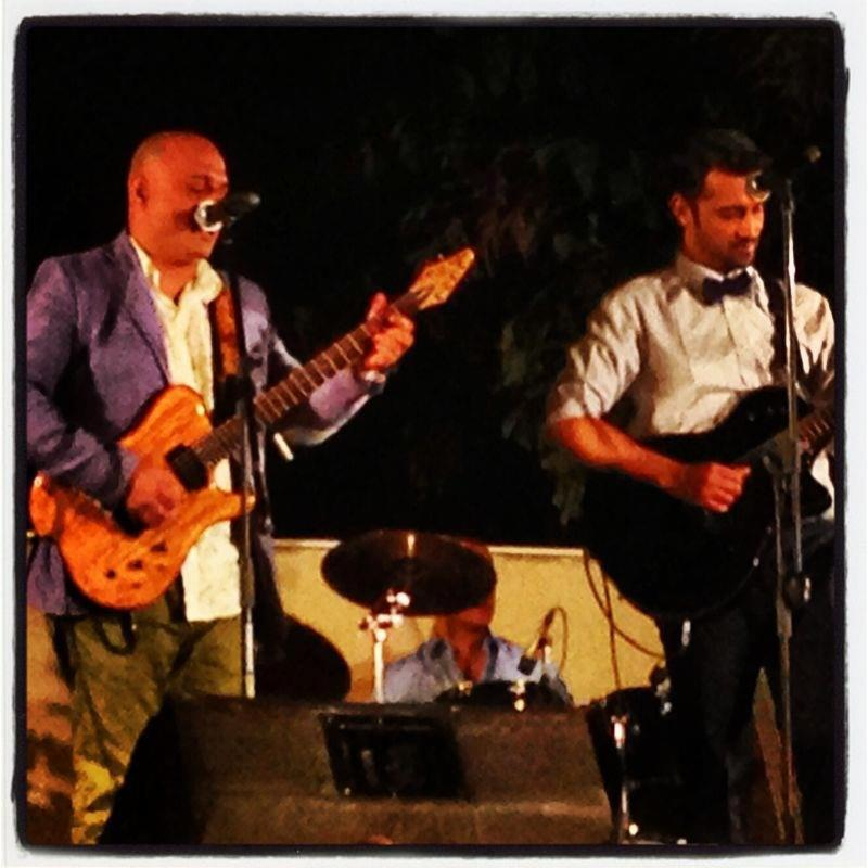 Ali Azmat and Atif Aslam performing at the Valima