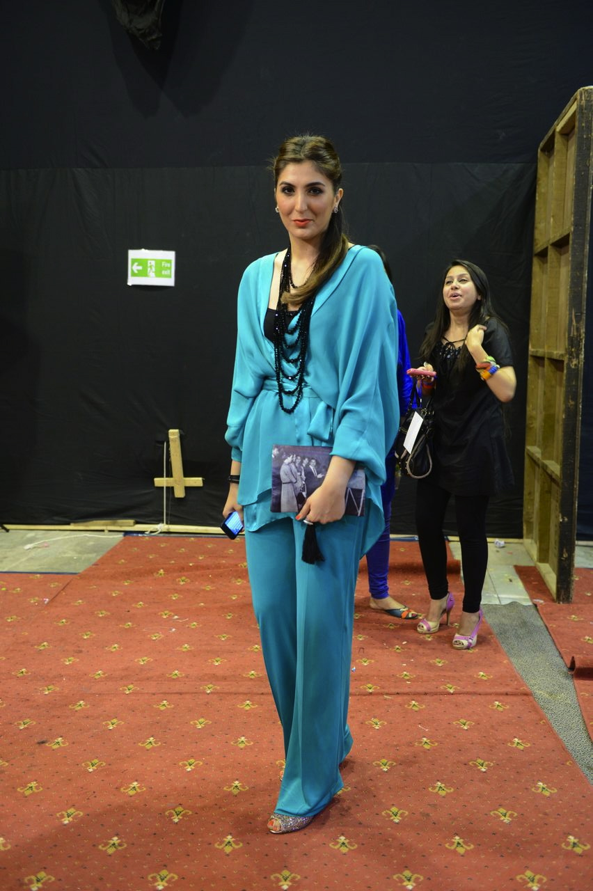 Khadijah Shah carrying another lovely clutch by Mahgul
