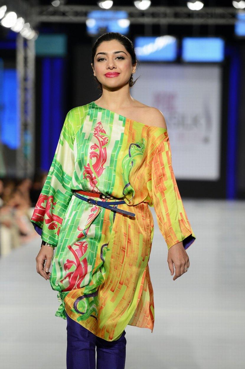 Kiran Chaudhry, show stopper for Sania Maskatiya