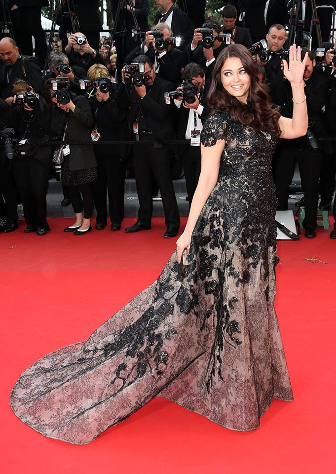 A more confident Aishwarya   wow on the red carpet